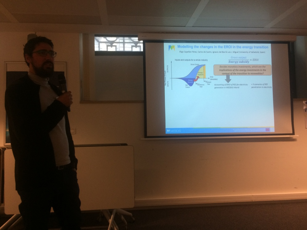 "Figure 12. Iñigo Capellán Pérez from UVA presents a poster on ""Modelling the changes in the EROI in the energy transition"""